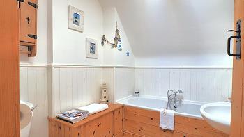 Salle de bains principale au premier étage