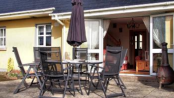Veranda, table et chaises
